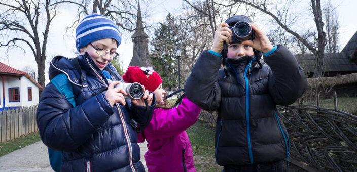 Curs de fotografie pentru copii la Muzeul Satului